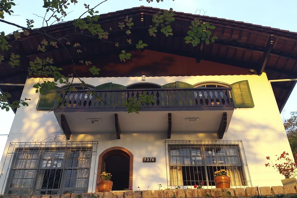 Joinville Hostel & Pousada