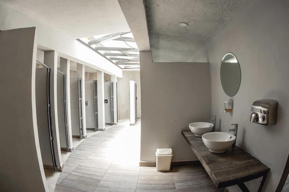 Habitación doble básica, 1 cama Queen size, para no fumadores, vista al resort - Baño
