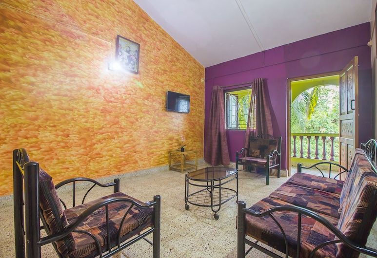 OYO 19876 Home Classic 2BHK Near Carmona Beach, Varca, Double or Twin Room, Living Room