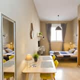 City Studio, 1 Double Bed, City View - In-Room Dining