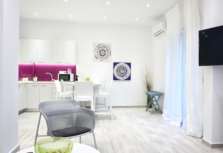 Spacious Modern Apt in Athens near Metro, Athens, Apartment, 2 Bedrooms, Living Area