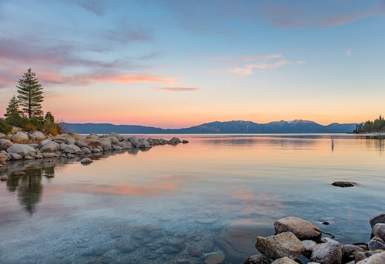 4br Dollar Point, Pool & Private Beach 4 Bedroom Home, Tahoe City, Σπίτι, 4 Υπνοδωμάτια, Παραλία