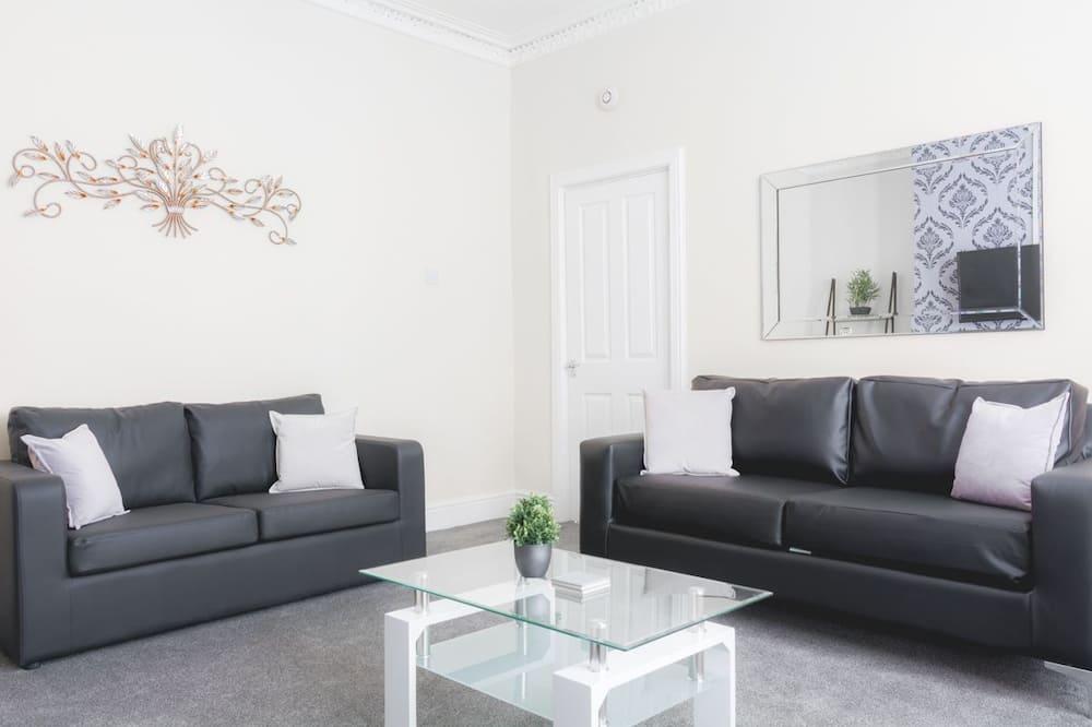 Σπίτι σε Συγκρότημα Κατοικιών, 3 Υπνοδωμάτια - Καθιστικό