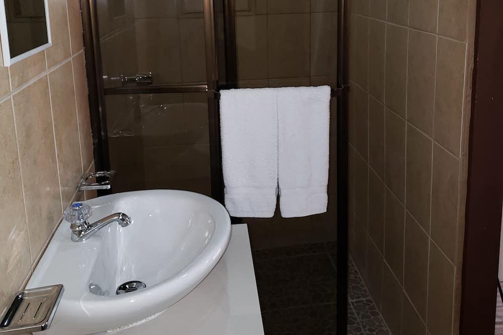 Phòng đôi, 1 giường đôi - Phòng tắm