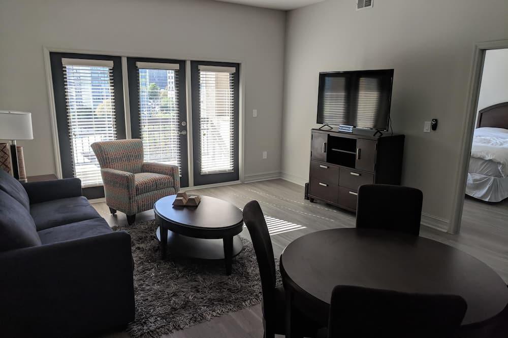 Apartment, 1 Schlafzimmer, Balkon - Essbereich im Zimmer