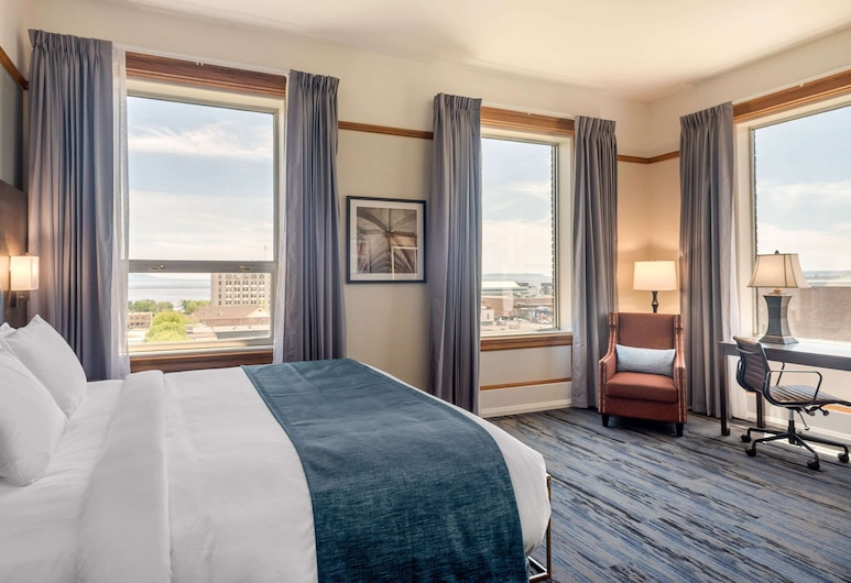 The Courthouse Hotel, Ascend Hotel Collection, Thunder Bay, Superior Lakeview Room, 1 King Bed, Non Smoking, Svečių kambarys