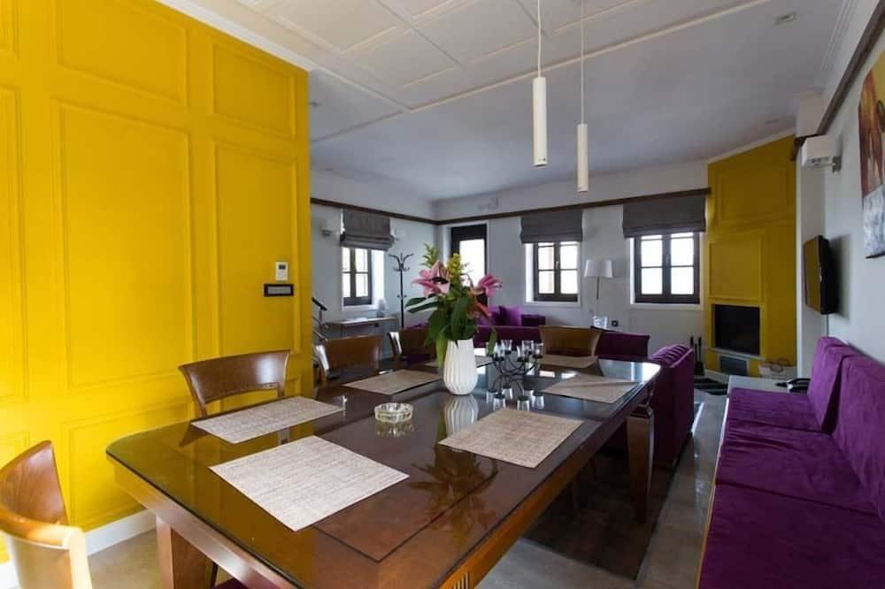 Luxury Villa (Joana) - In-Room Dining