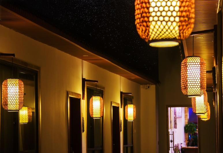 Listening To The Rain Hall Inn , Zhangjiajie, Πρόσοψη ξενοδοχείου - βράδυ/νύχτα