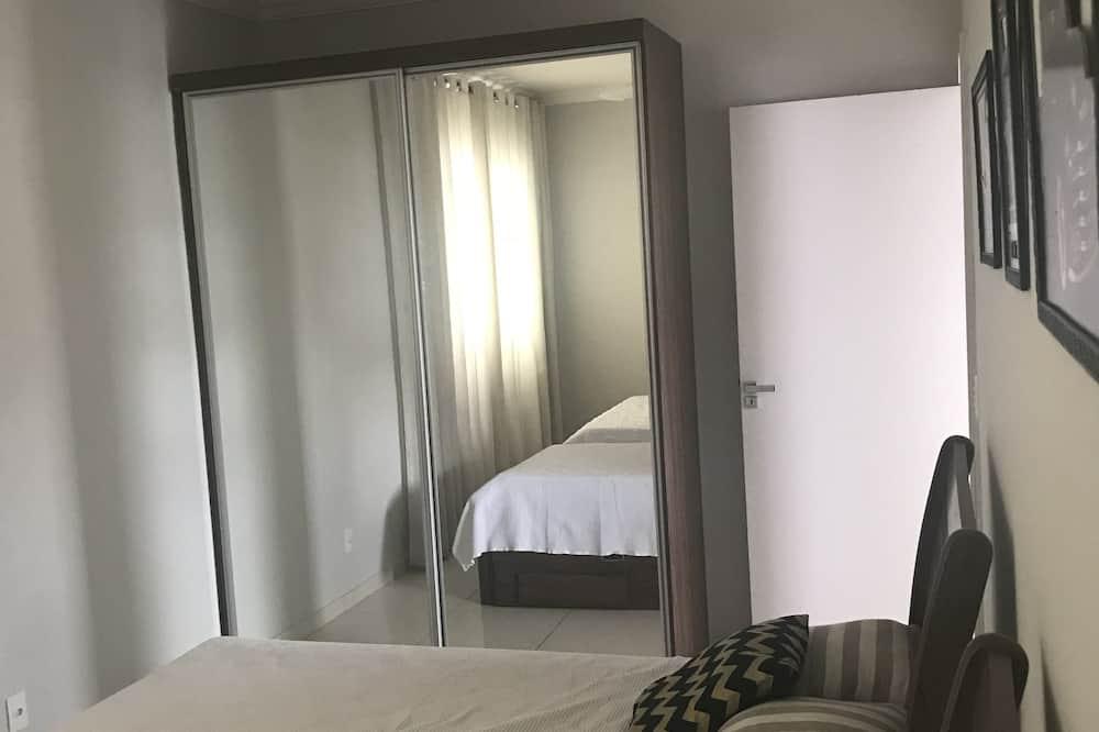 Basic-Apartment, Mehrere Betten - Zimmer