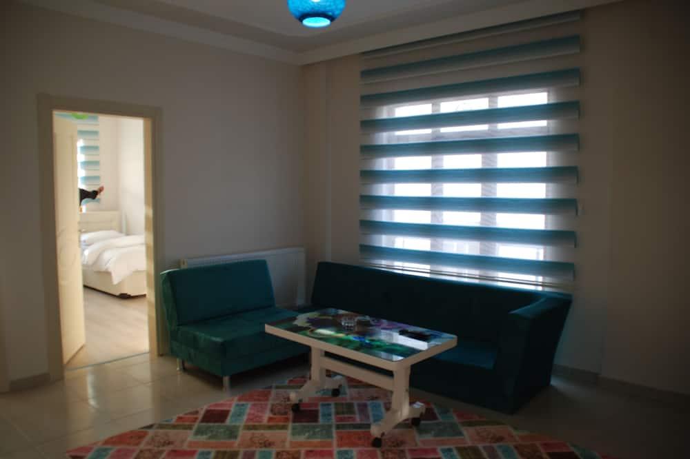 Rodinný apartmán, 1 spálňa, fajčiarska izba - Obývačka