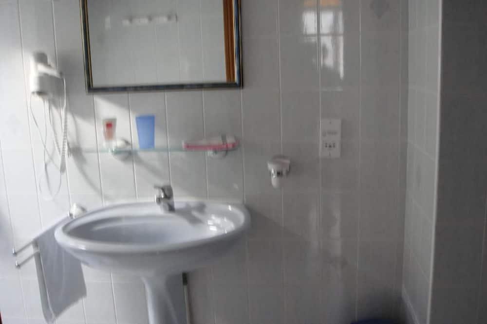 雙人房 (1) - 浴室洗手台