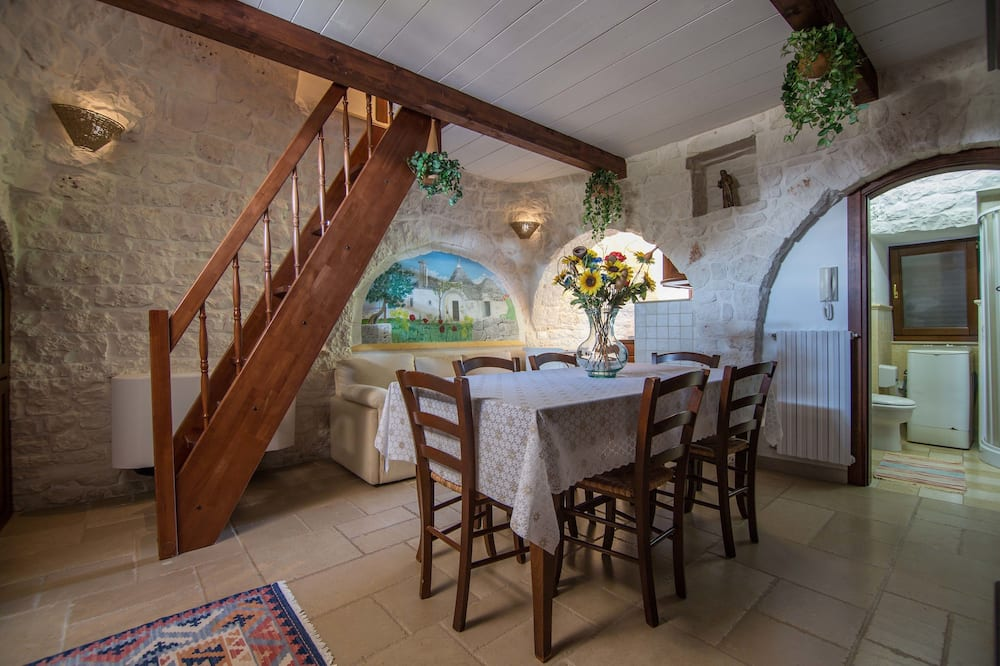 Quadruple Room (Lilium) - In-Room Dining