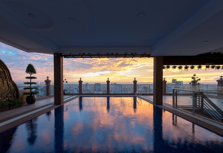 Queen Mansion, Phnom Penh, Rooftop Pool