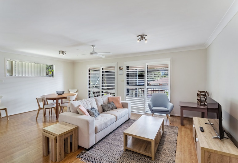 Navala Avenue, 6, Nelson Bay, Duplex, 3 Bedrooms, Living Area