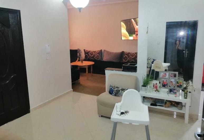 Mohammed V Airport Homestay, Deroua, Comfort Apartment, Living Area