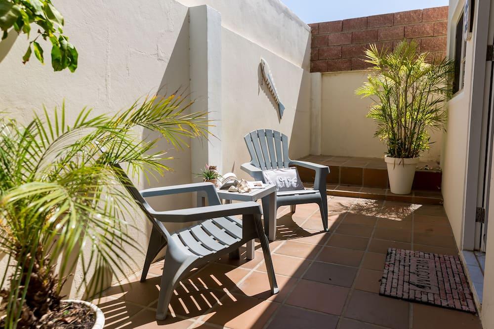 Economy Apartment, 1 Queen Bed (Comfort Apartment #4) - Terrace/Patio