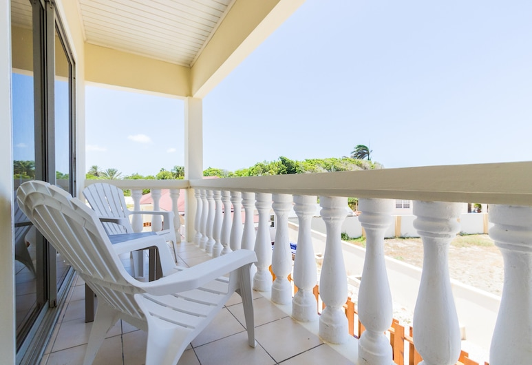 Little Cactus Apartments Aruba, Noord, Comfort Apartment, 1 King Bed, Non Smoking, Partial Ocean View (Upstairs Apartment #2), Balcony
