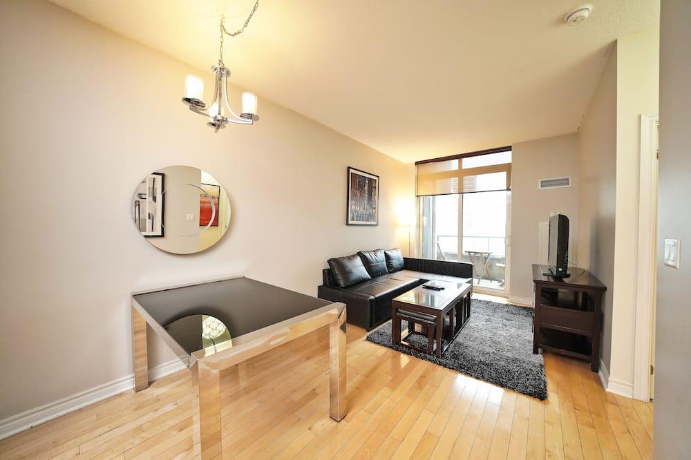 Soukromý byt typu City, dvojlůžko (180 cm) a rozkládací pohovka, nekuřácký, výhled na město - Obývací prostor