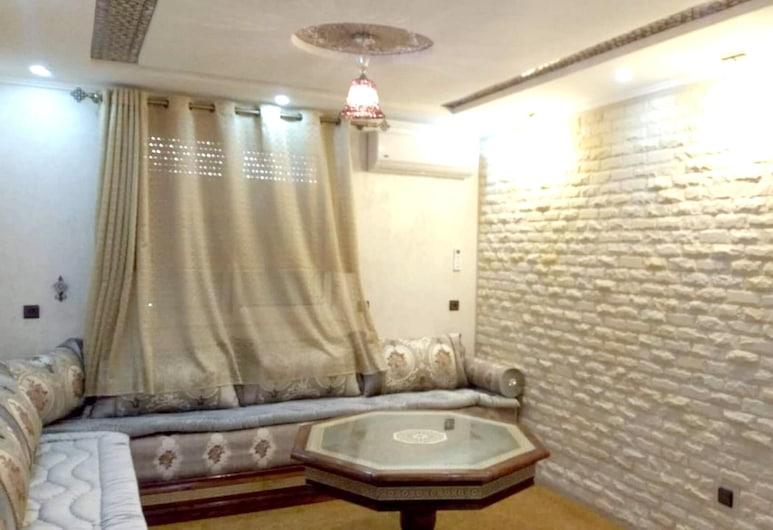 阿加迪爾精彩城景 2 房公寓酒店 - 附陽台及 Wi-Fi - 離海灘 700 米, 阿加迪爾, 客廳