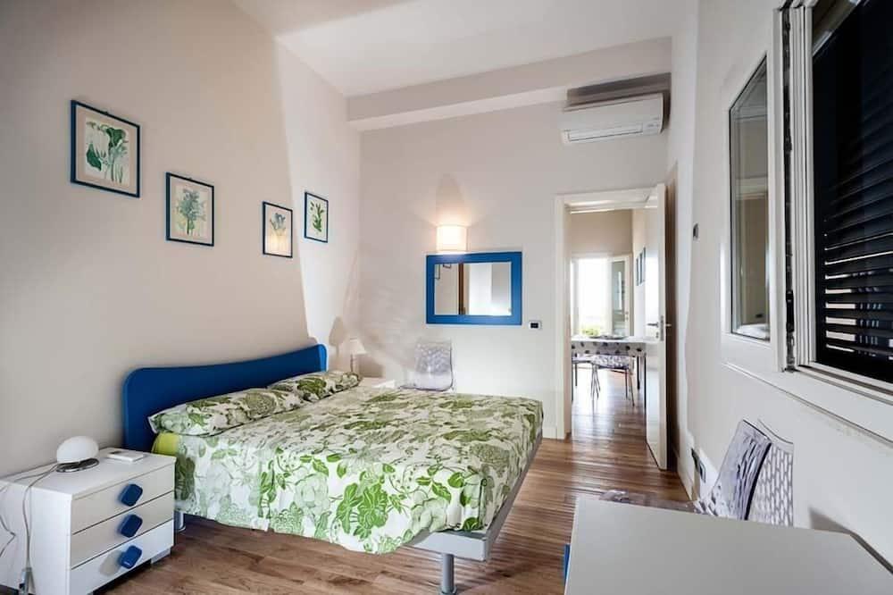 Korter, 2 magamistoaga, vaade merele, rannaäärne asukoht - Tuba