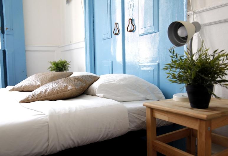 The Original Lisbon Guesthouse, Lissabon, Doppelzimmer, Gemeinschaftsbad, Stadtblick (Charming room), Zimmer