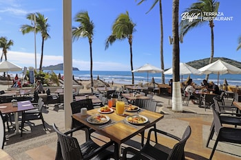 Enter your dates to get the Mazatlan hotel deal