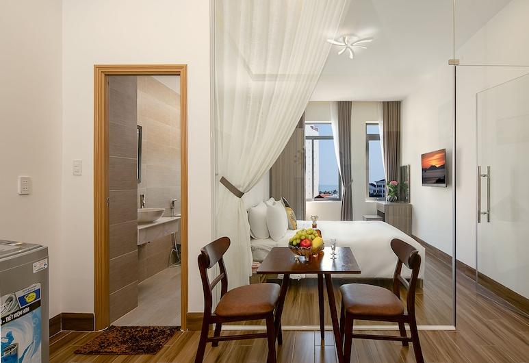 Van Apartment and Hotel, Da Nang, Panoramic Apartment, 1 King Bed, Non Smoking, Living Area