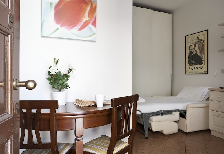 Italianway   - Marghera 18 Monolocale, Milan, Studio, Room