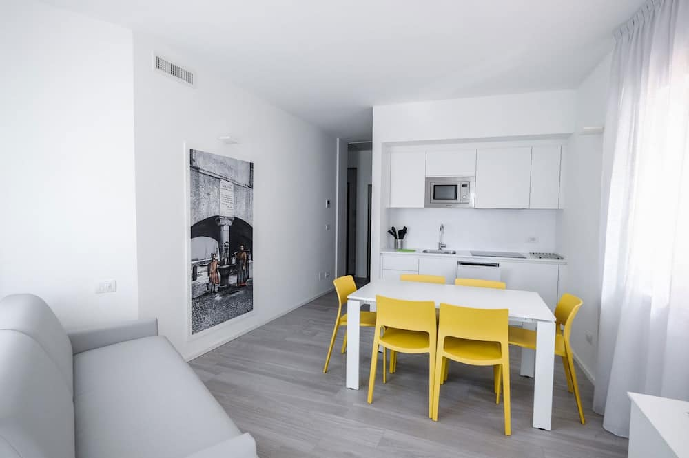 Apartment, 1 Bedroom, Mountain View (Stendhal) - Living Area