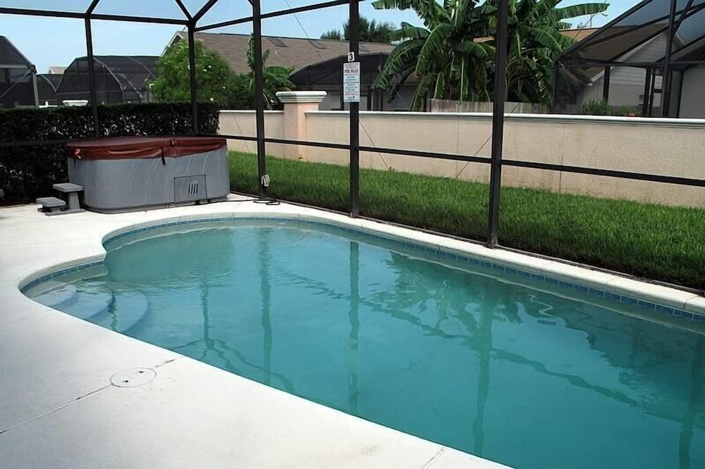 Family Townhome, Private Pool, Garden Area - Pool