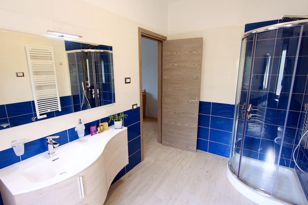 Classic Tek Büyük Yataklı Oda, 1 En Büyük (King) Boy Yatak ve Çekyat - Banyo