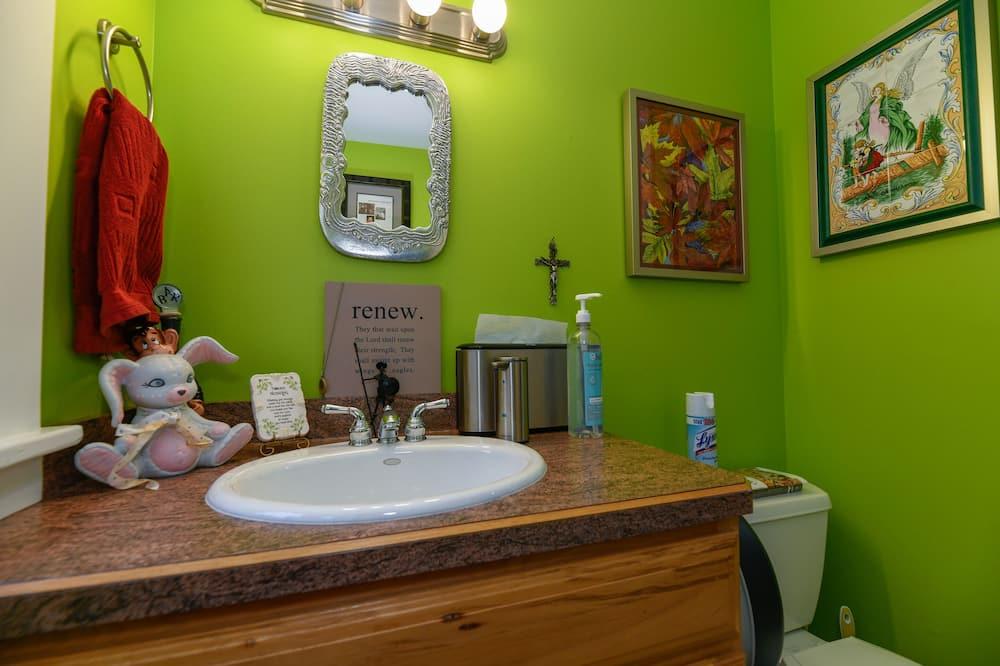 Deluxe eenpersoonskamer, niet-roken (Bedroom 2) - Gemeenschappelijke badkamer