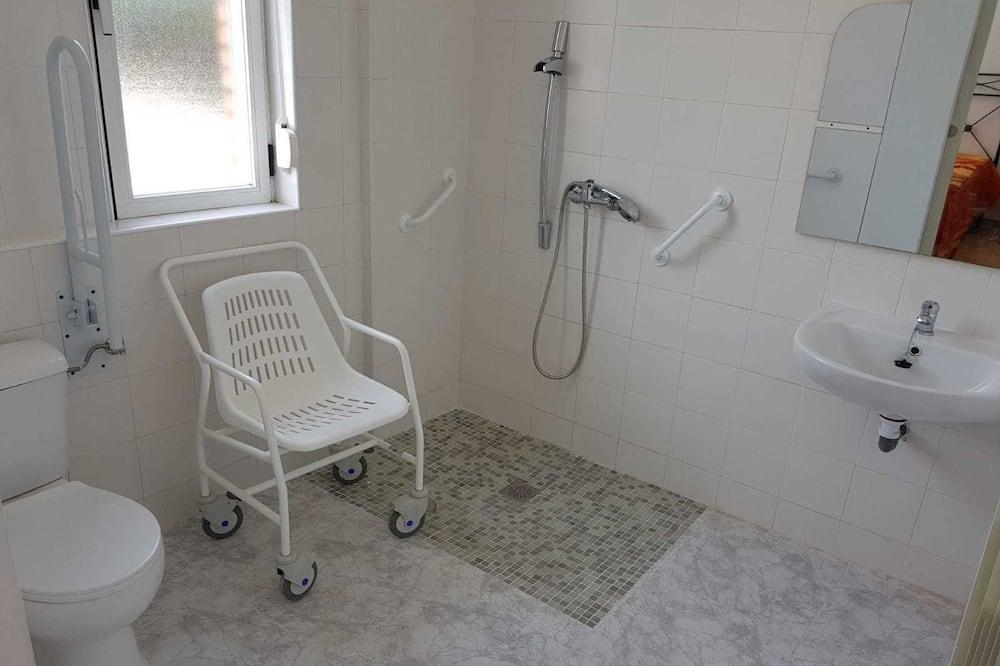 Habitactión adaptada, movilidad reducid, baño privado - Bathroom
