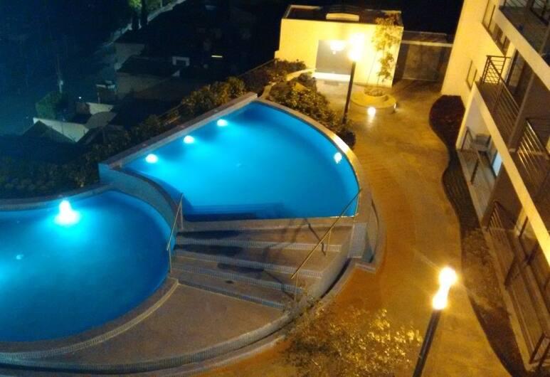 Departamento Manu, Guadalajara, Açık Yüzme Havuzu