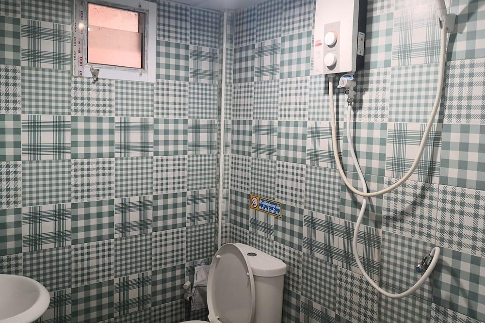 ห้องดีลักซ์พักรวม - ห้องน้ำ