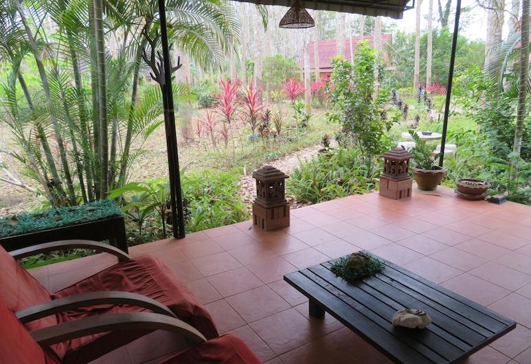 Manora Garden B & B, Phang Nga, Terraza o patio