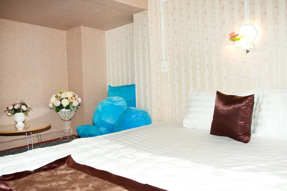 Family Double Room (VIP) - Guest Room