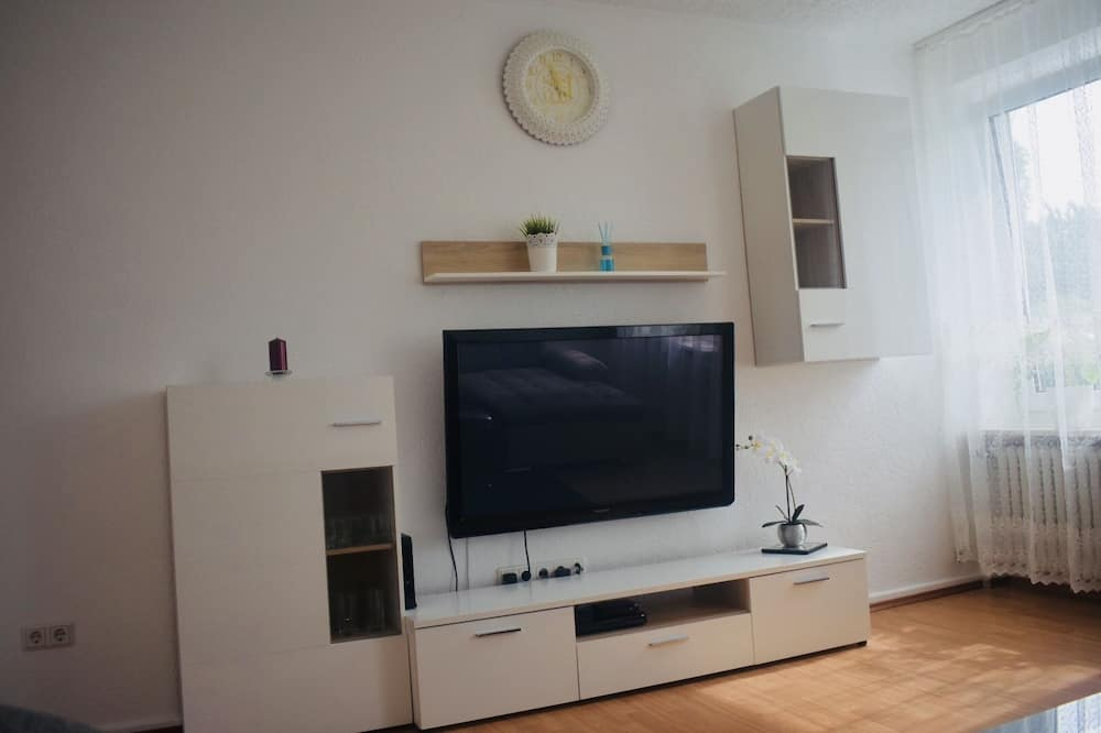 Апартаменты, 1 двуспальная кровать «Кинг-сайз», для некурящих - Зона гостиной