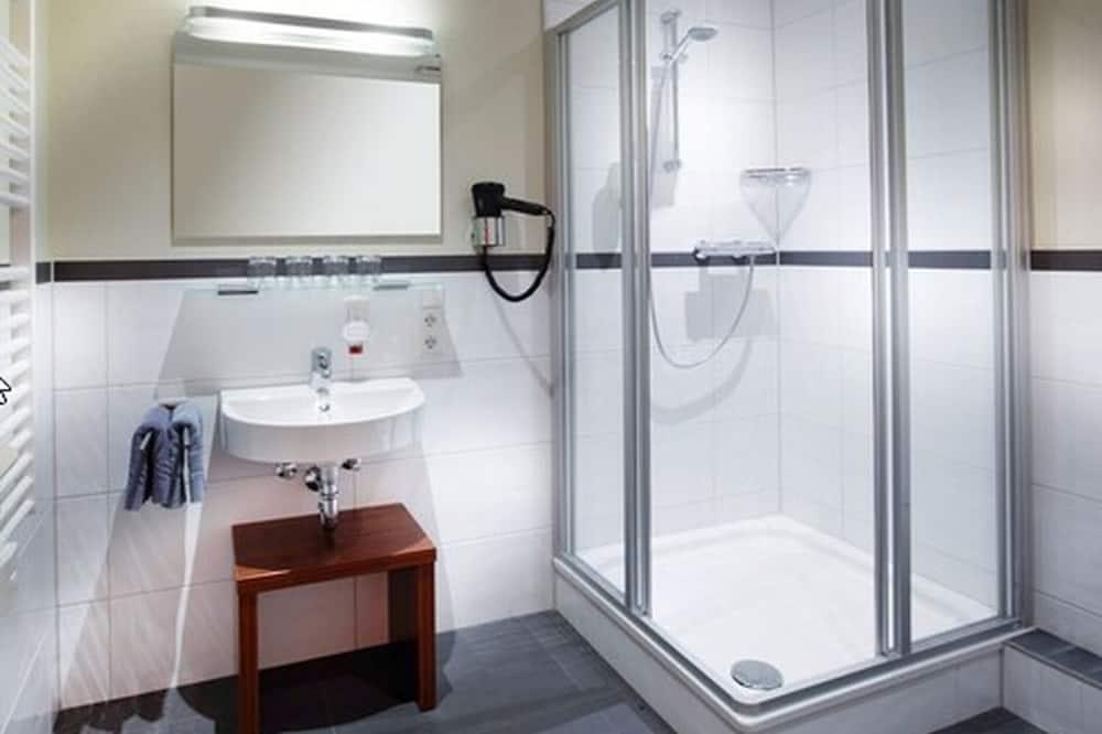 Comfort szoba kétszemélyes ággyal - Fürdőszoba
