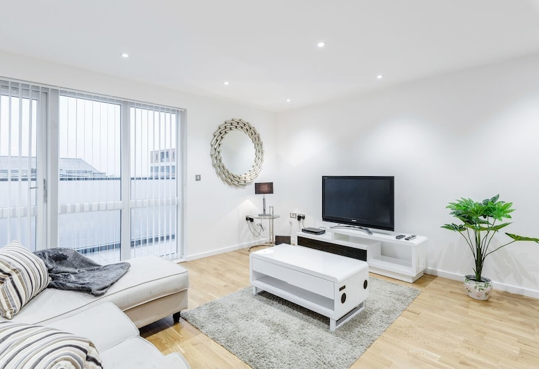 Royal Reign Luxury Apartment, Slough, Apartment, 2 Bedrooms, Non Smoking, Living Room