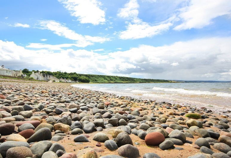 Harbour View Apartment, Cromarty, Cromarty, Beach
