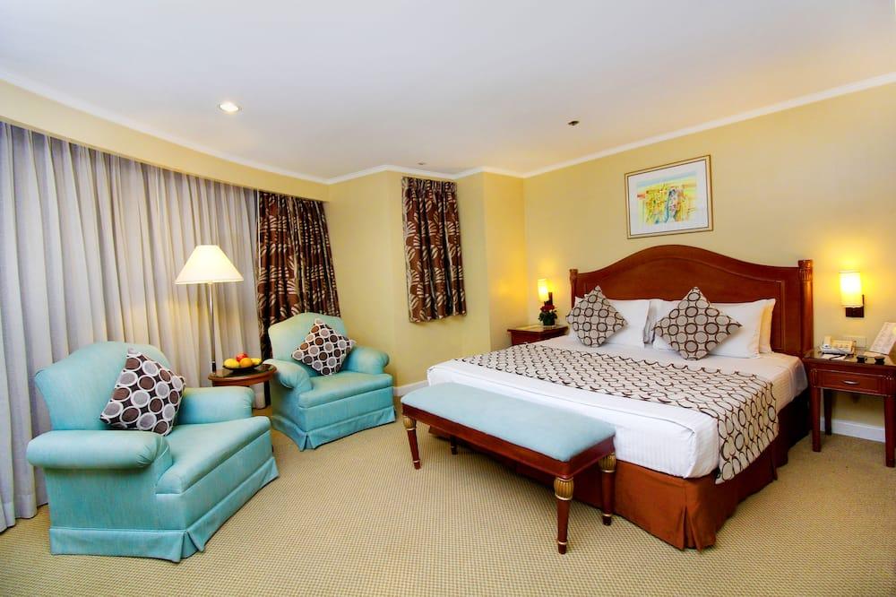 Junior Studio Suite, 1 King Bed, City View - City View