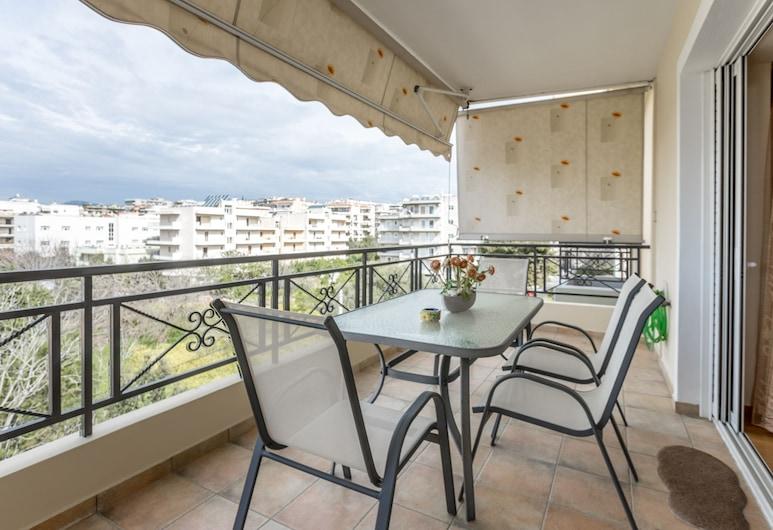 Elegant And Comfortable 4th Floor, Athena, Apartemen, 2 kamar tidur, Balkon
