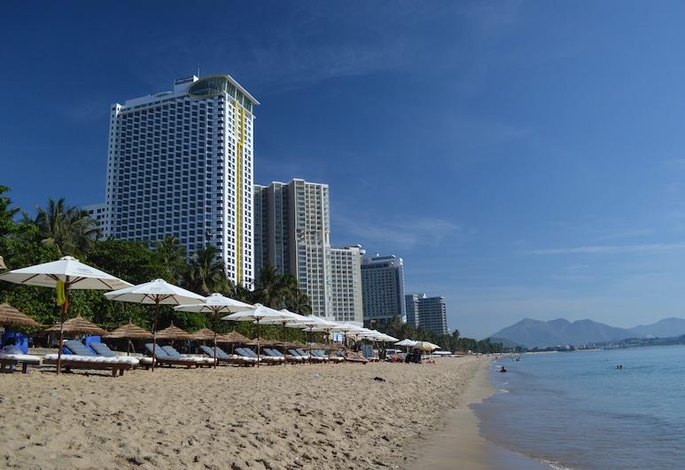 OYO 997 Bien Ngoc Hotel, Nha Trang, Beach