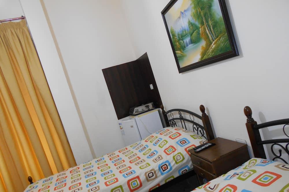 Basic Room, 2 Single Beds, Non Smoking - Balcony