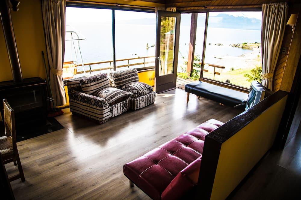 Superior Cabin, Lake View - Living Area