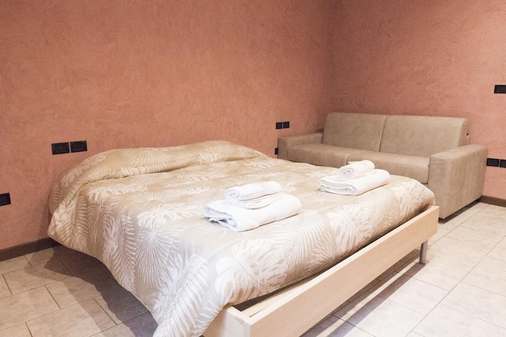 شقة بتصميم مميز - غرفتا نوم - الغرفة