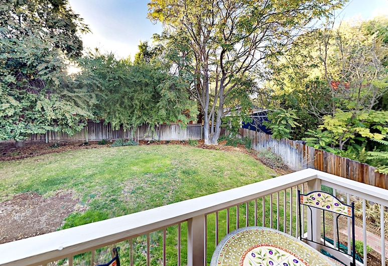 Refined Wine Country 3br W/ Private Backyard 3 Bedroom Home, Paso Robles, House, 3 Bedrooms, Balcony