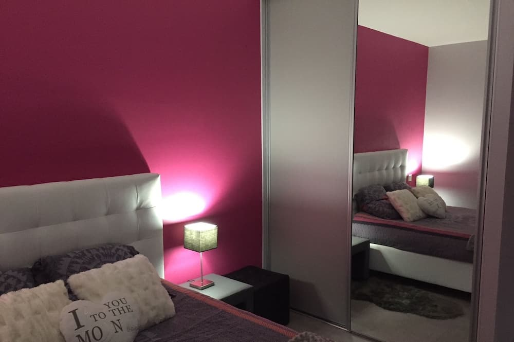 Standard Double Room, Accessible, Garden View - Guest Room
