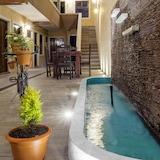 Hotel Uxlanik